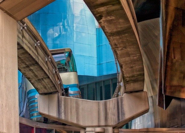 Monorail - Macro Lens ISO400 f7.1